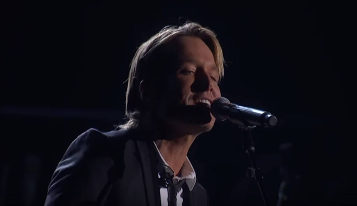 keith urban blue aint your color cma awards