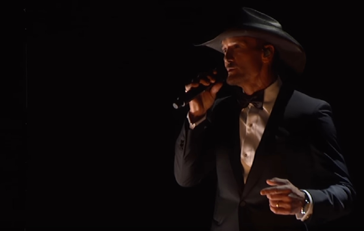 Tim McGraw Humble and Kind Live