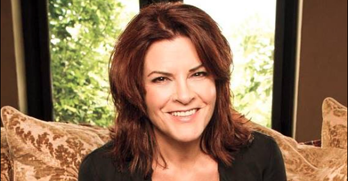 Rosanne Cash Shares Her Thoughts on 2016 Election
