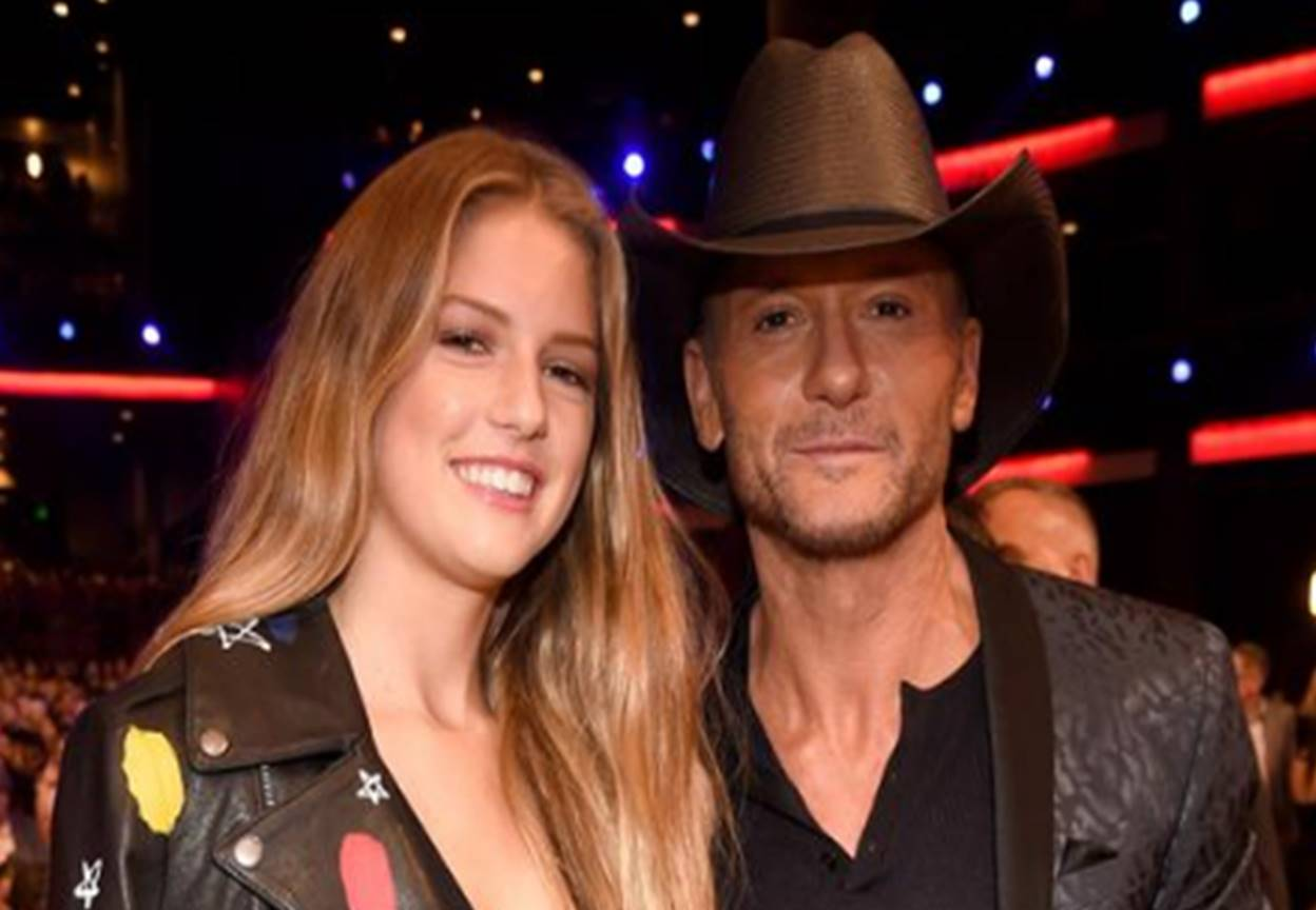 Tim mcgraw and daughter maggie attend amas together for How old are faith hill s daughters
