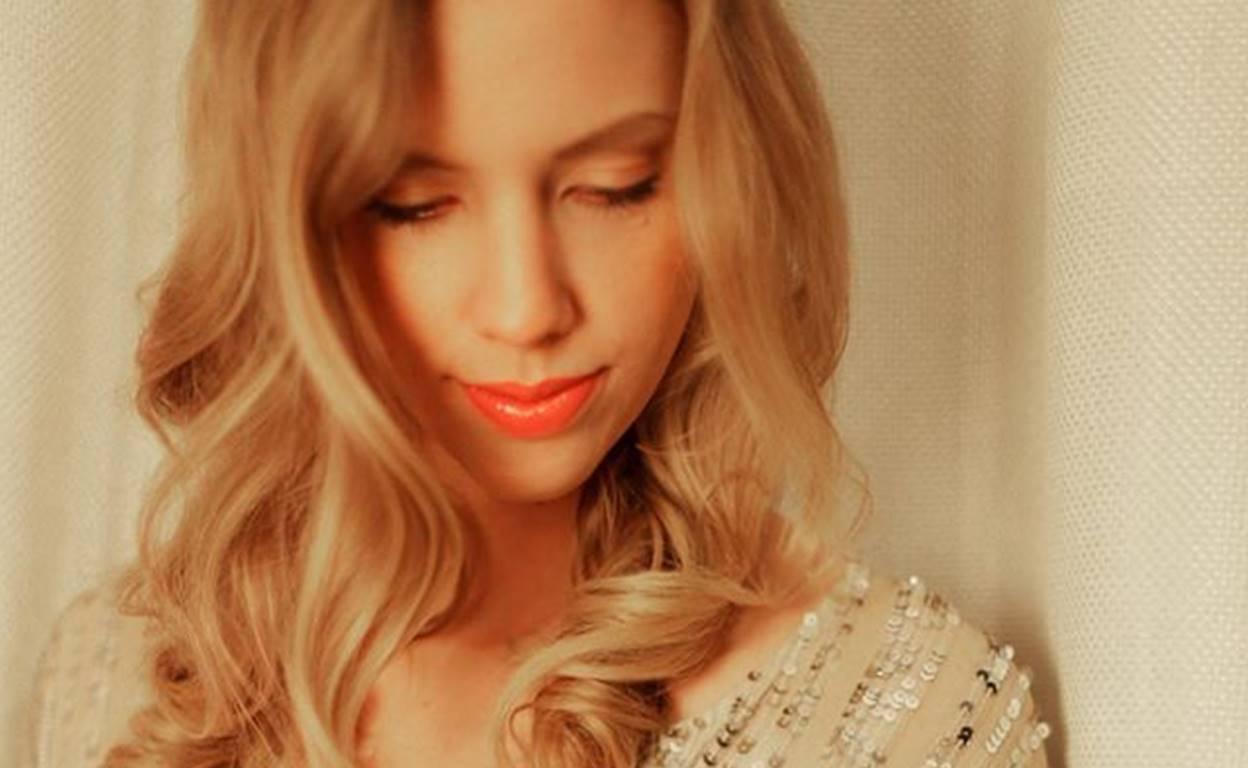 Heidi Feek Sings