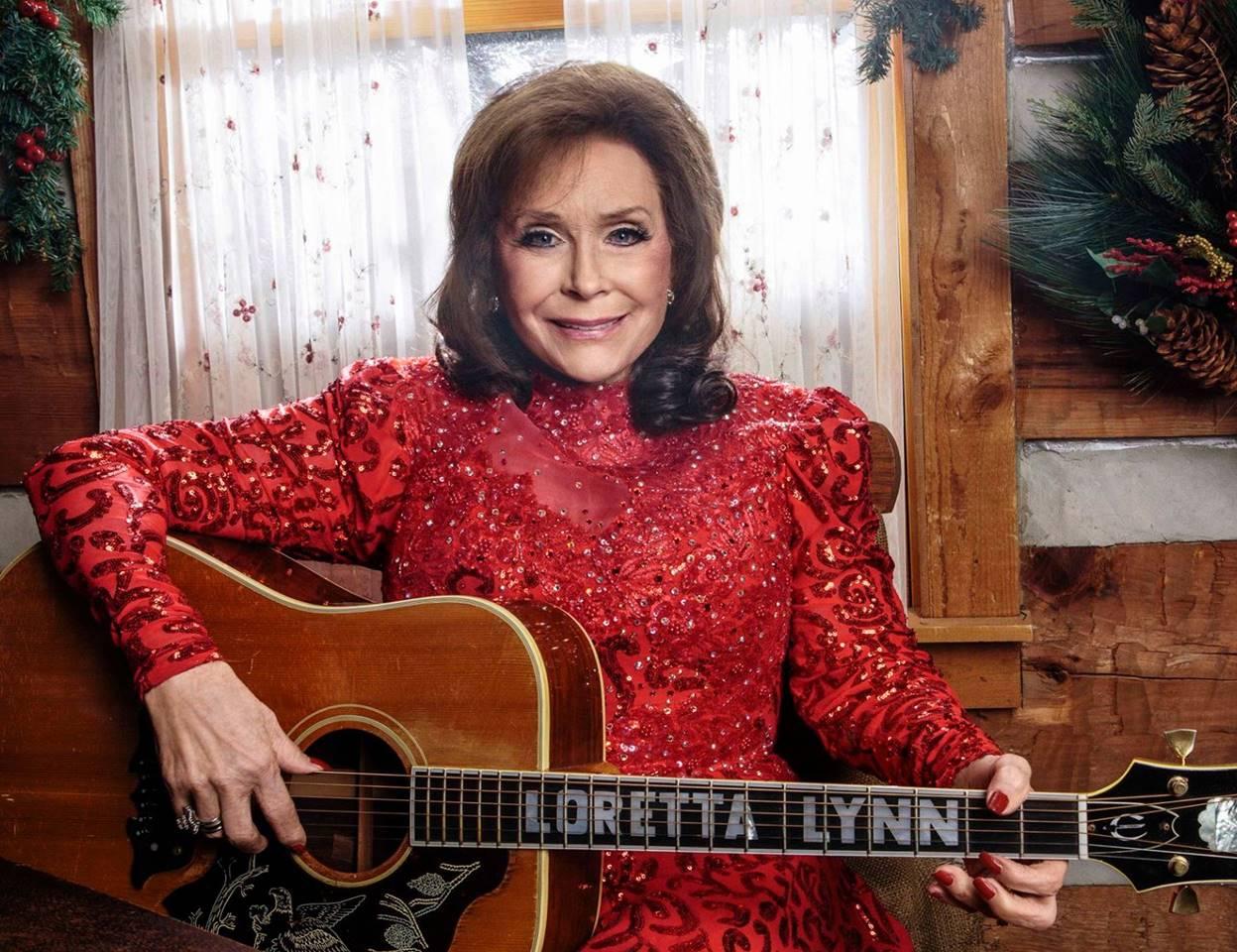 Loretta Lynn Quot To Heck With Ole Santa Claus Quot Video Amp Lyrics