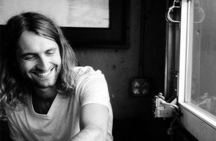 Singer-Songwriter Ryan Hurd Pens Deal with Sony Music Nashville