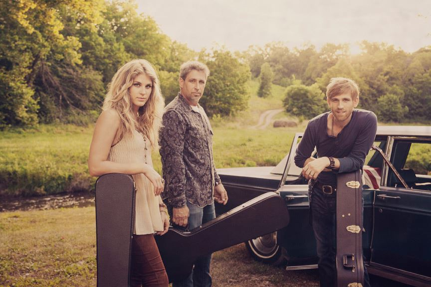 Meet The Henningsens, A Country Music Trio