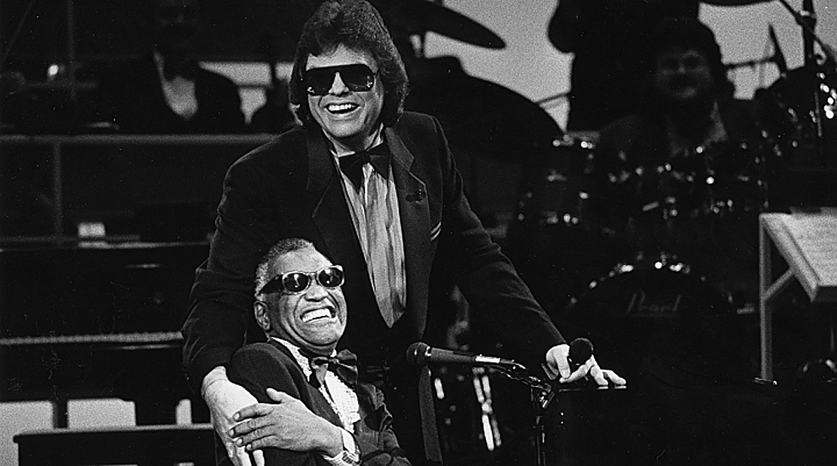 Ronnie Milsap Identifies Ray Charles As His Idol