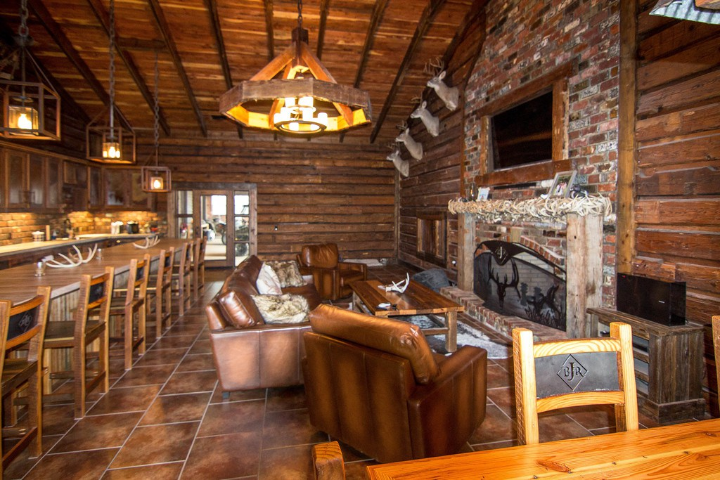 Jason aldean 39 s hunting lodge is for sale video pictures for Cabin furniture sale