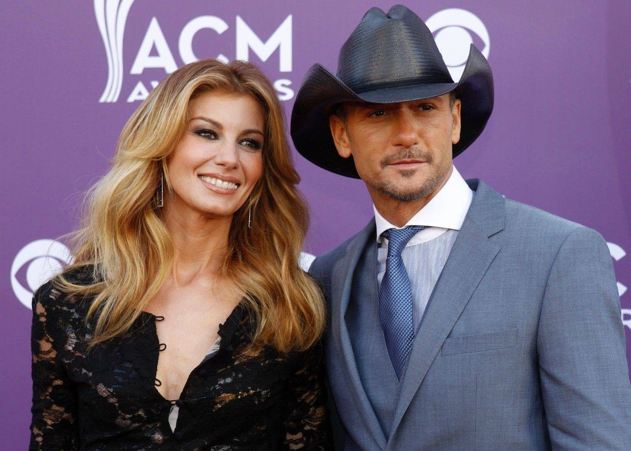 "Tim McGraw & Faith Hill's ""Speak To A Girl"" Climbs Charts"