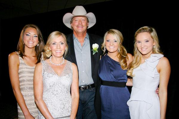 alan jackson wife daughters