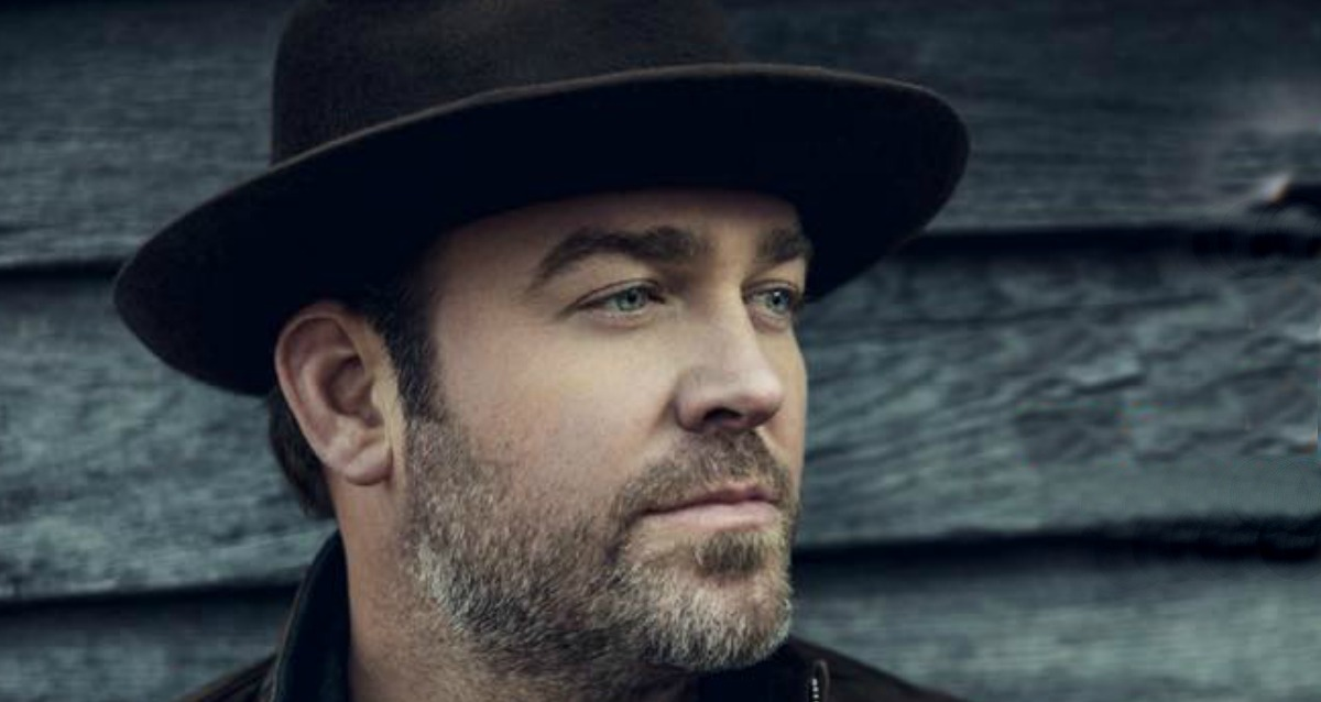 Lee Brice Performs Boy at Grand Ole Opry