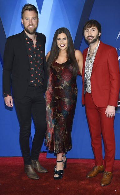 lady antebellum 2017 cma awards red carpet