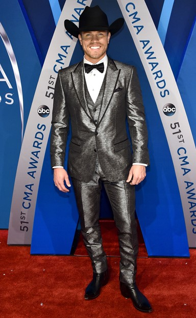 cma awards fashion dustin lynch