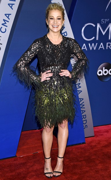kellie pickler cma awards