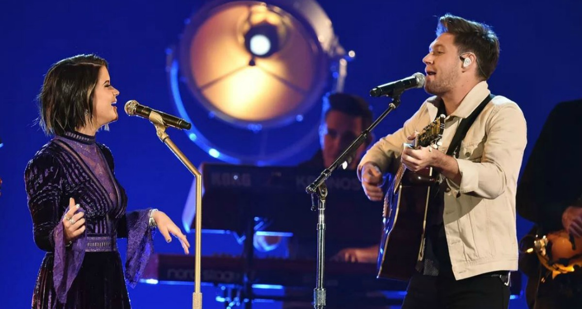 """Watch Maren Morris and Niall Horan Sing """"Seeing Blind"""" at the CMA Awards [VIDEO]"""