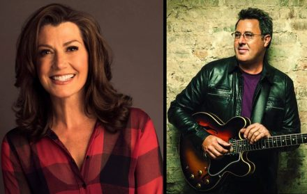 Amy Grant Christmas.Amy Grant Reflects On Christmas Shows Vince Gill