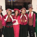 thomas rhett christmas caroling