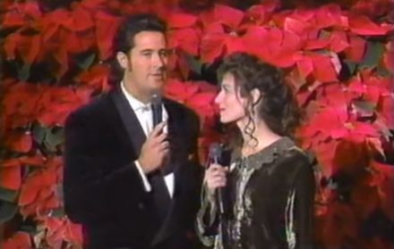 Amy Grant Christmas.Watch Vince Gill Amy Grant Perform Tennessee Christmas