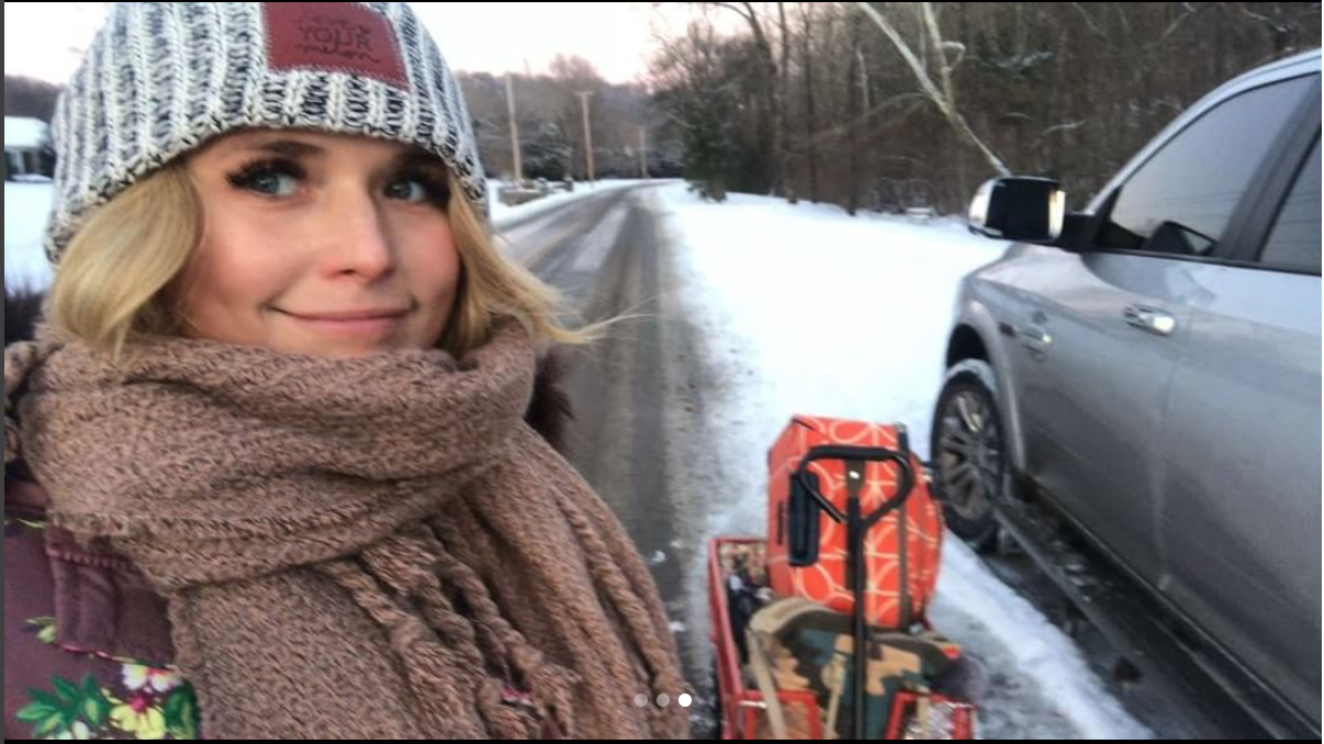 Country Stars Enjoy the Snowy Weather