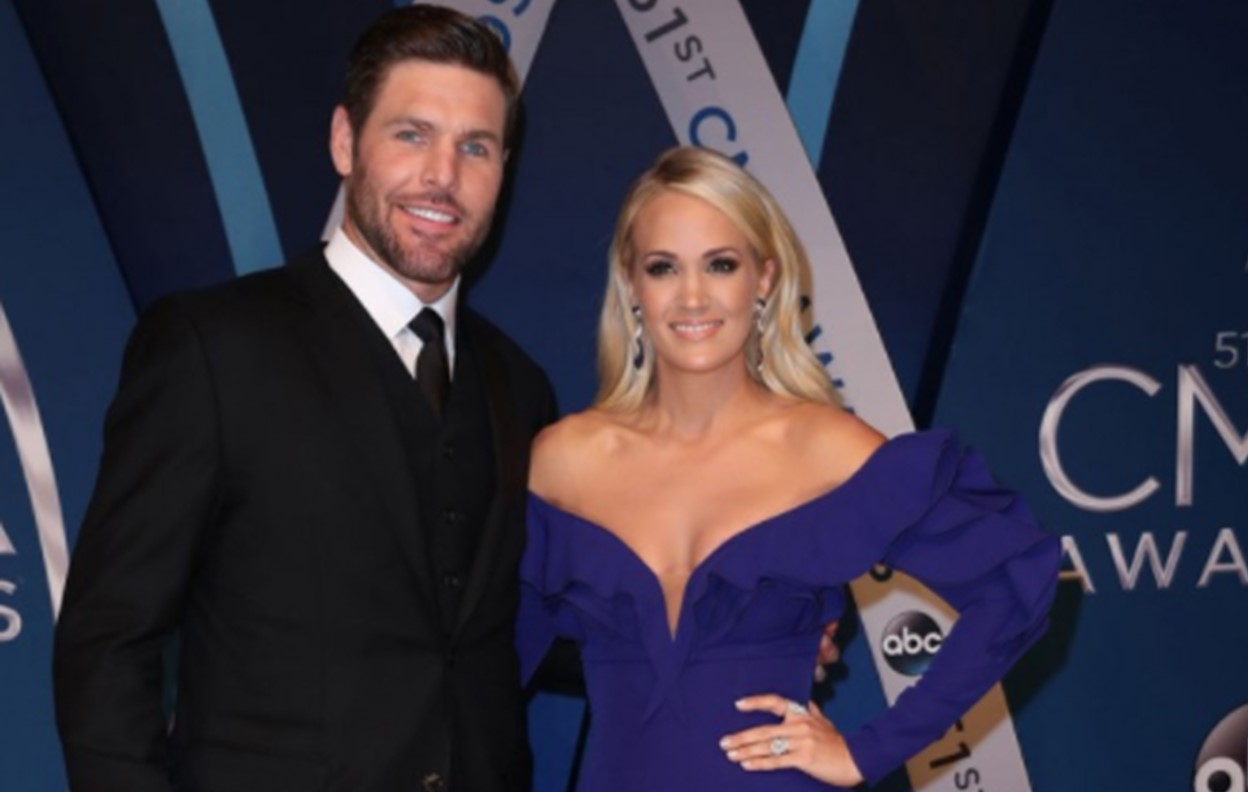 mike fisher carrie underwood divorce