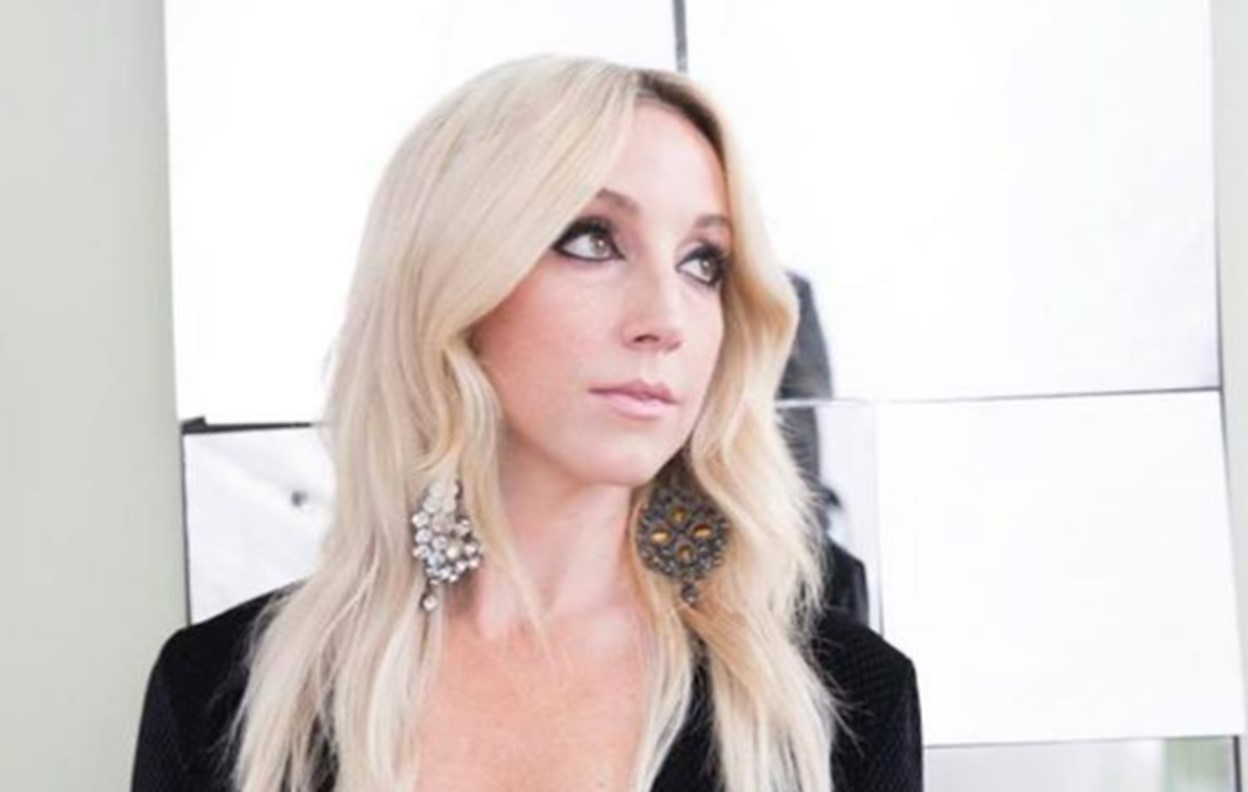 ashley monroe hands on you
