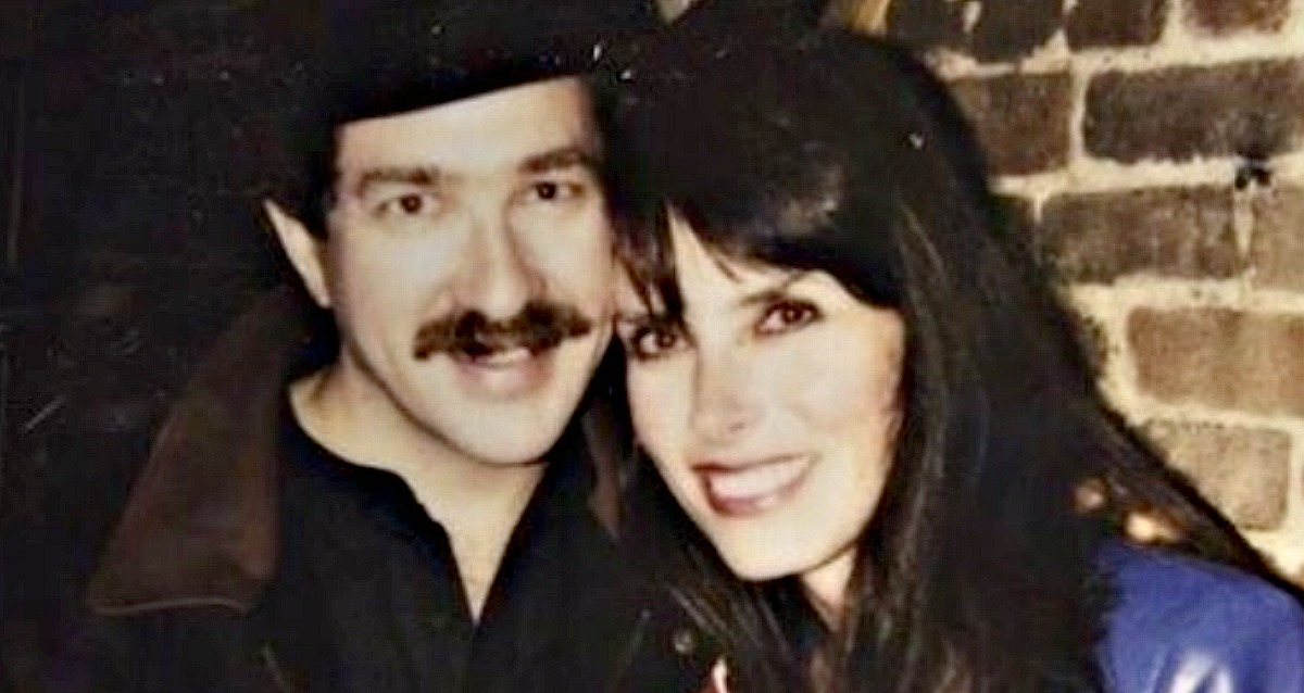 Read About the Incredible Love Story between Kix Brooks and his Wife Barbara
