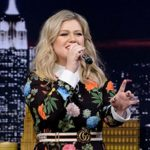 kelly clarkson google translated hits
