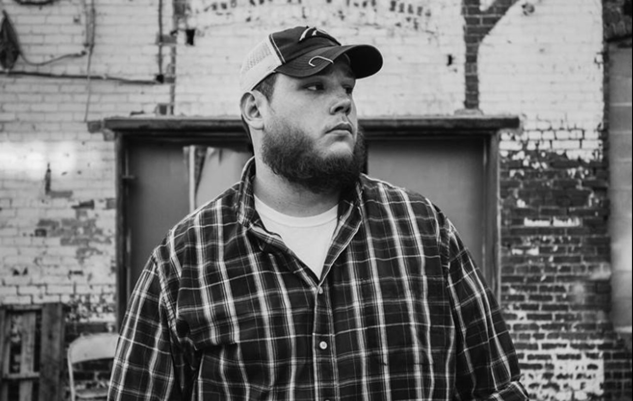 luke combs international tour