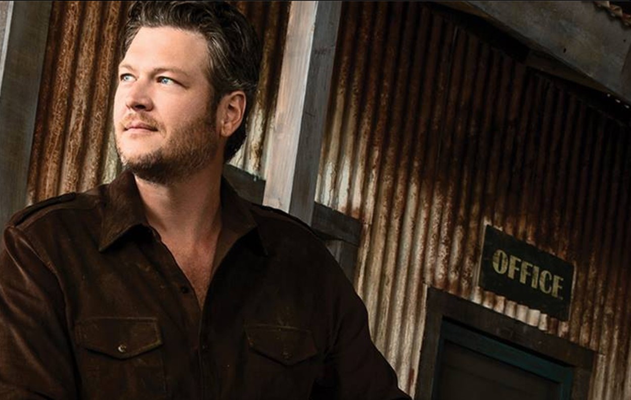 blake shelton gatlinburg
