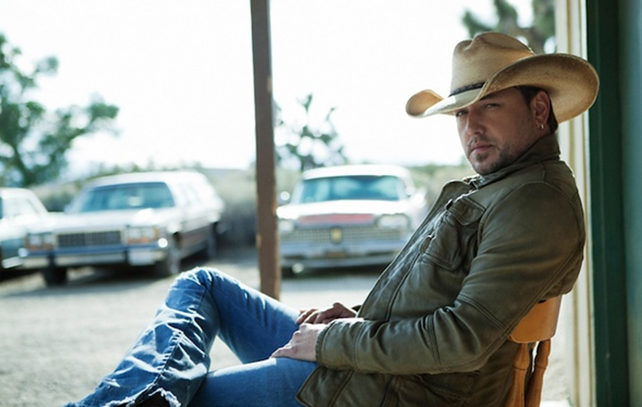 jason aldean entertainer of the year