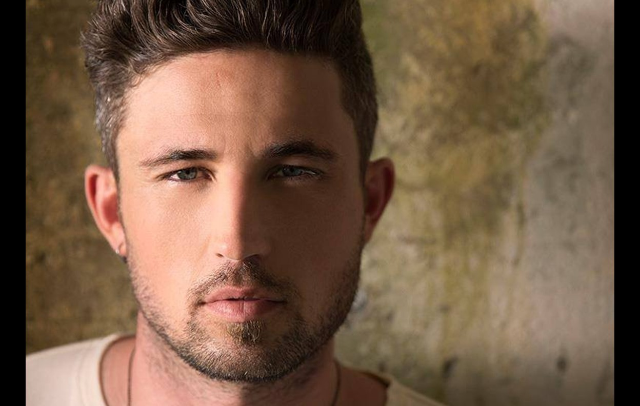 michael ray her world or mine