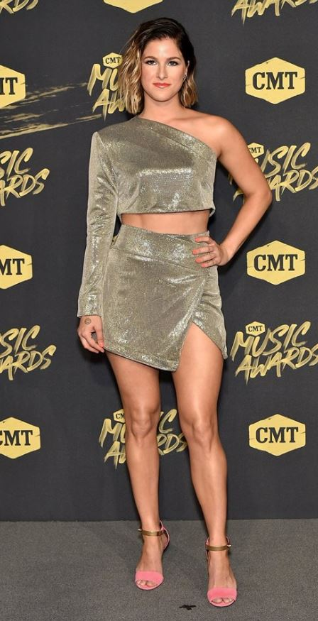 2018 cmt awards red carpet