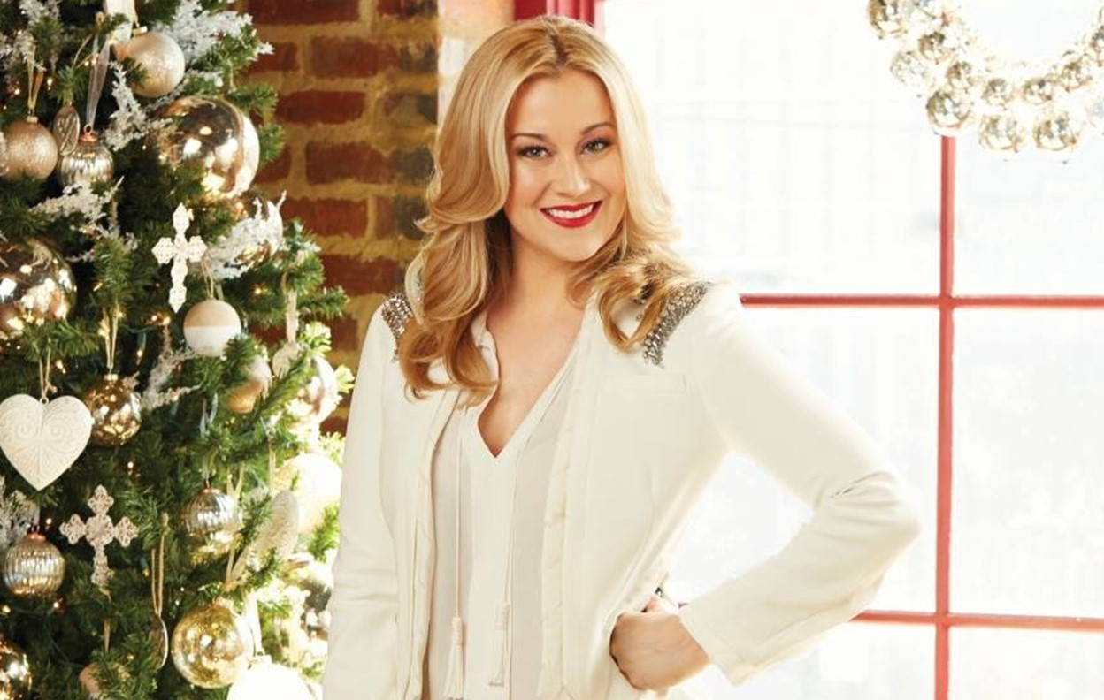 Christmas At Graceland Hallmark.Kellie Pickler To Star In New Hallmark Channel Christmas Movie
