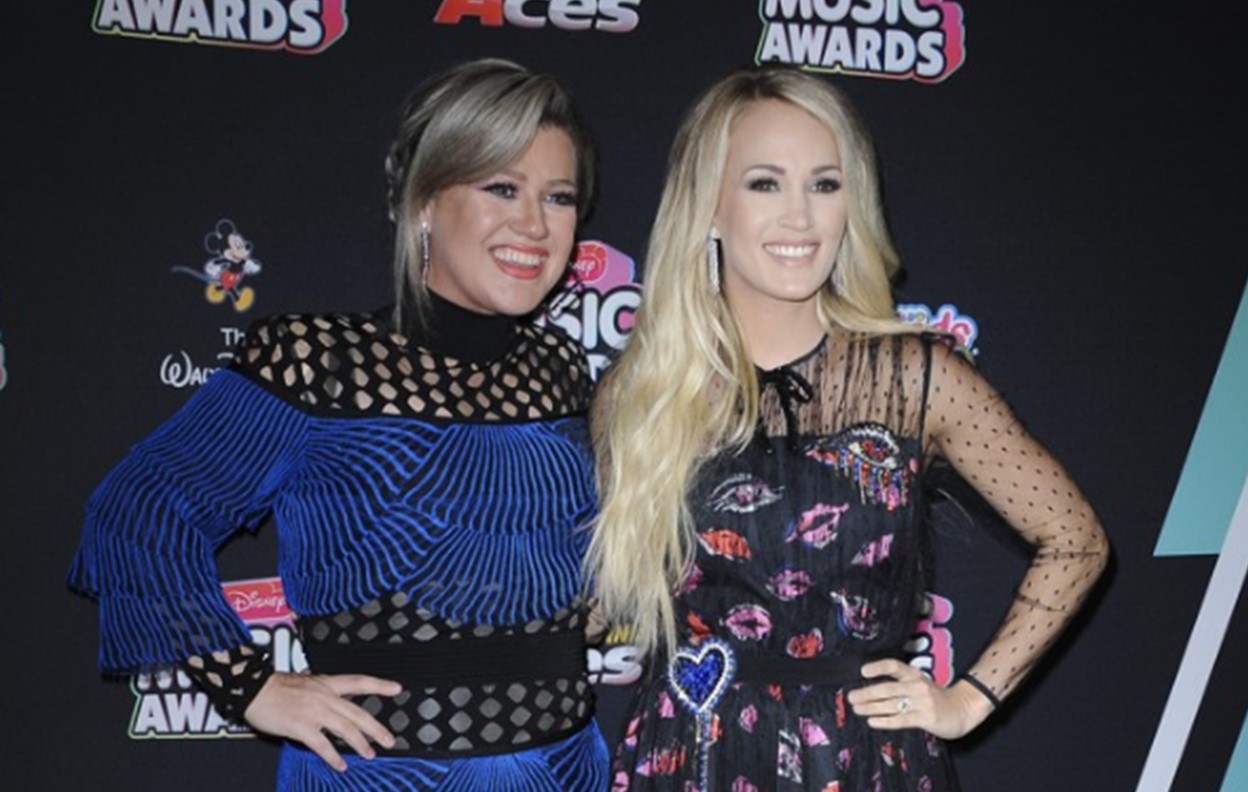 kelly clarkson carrie underwood fued