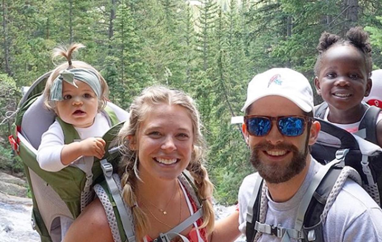 thomas rhett family hiking