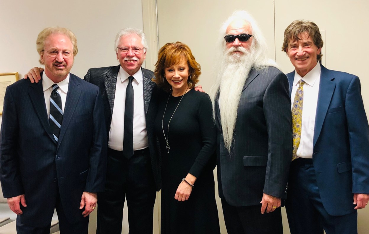 Oak Ridge Boys & Reba McEntire Perform at George H.W. Bush\'s Funeral ...