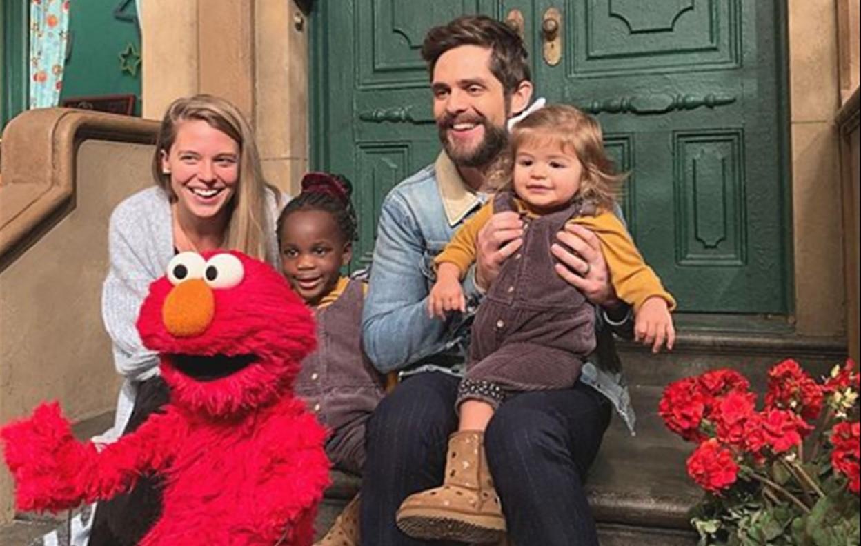 thomas rhett family sesame street