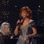 reba mcentire the christmas song