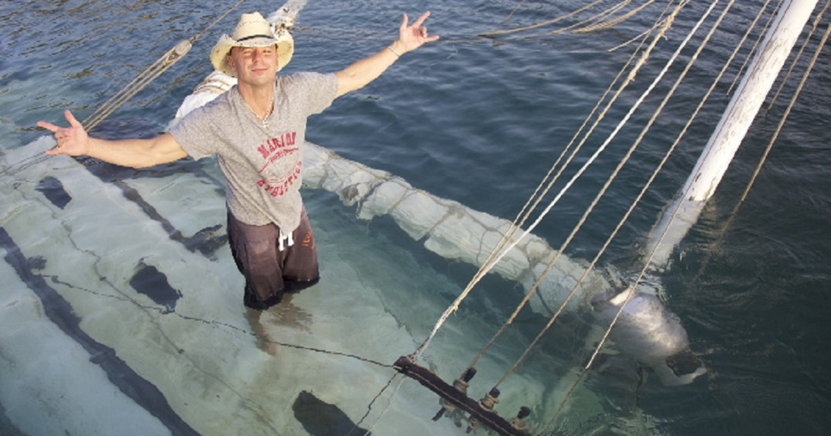 Kenny Chesney Better Boat