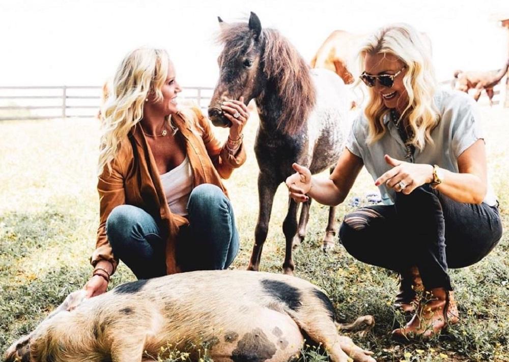 Caroline and Ellen Boyer