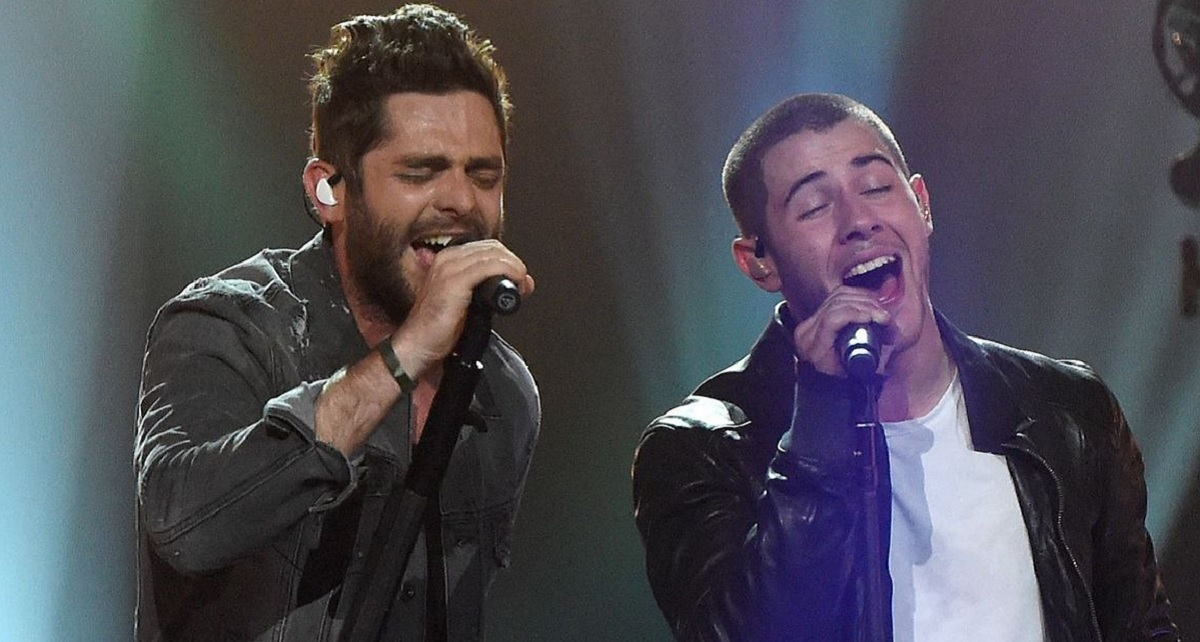 Thomas Rhett and Nick Jonas CMT Crossroads