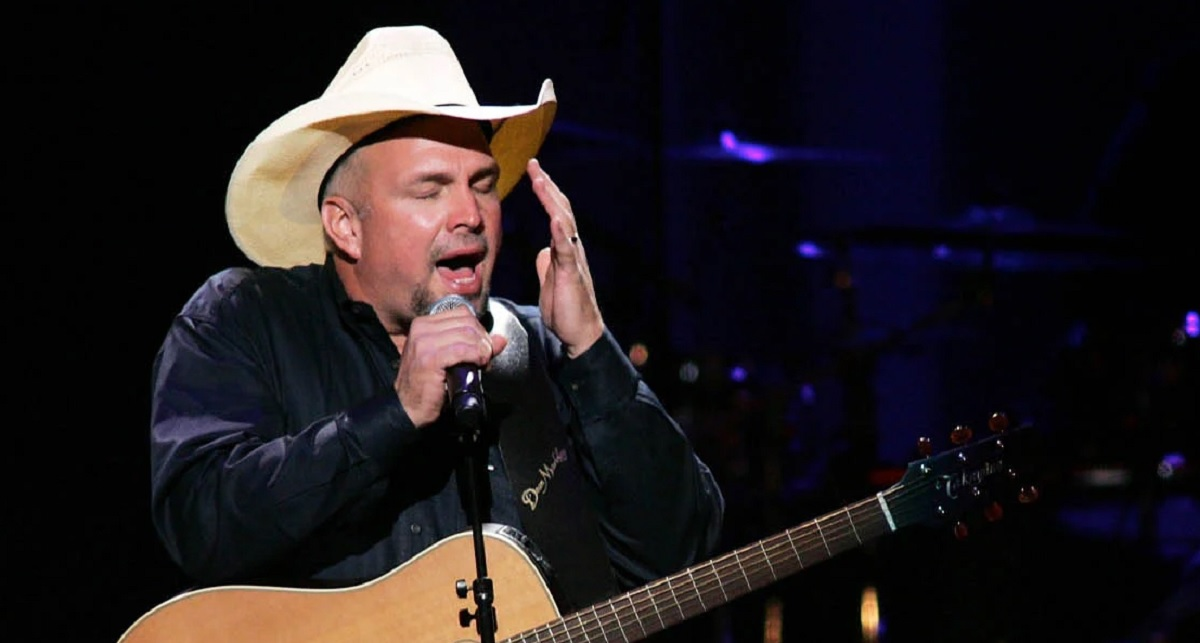 Garth Brooks Friends In Low Places