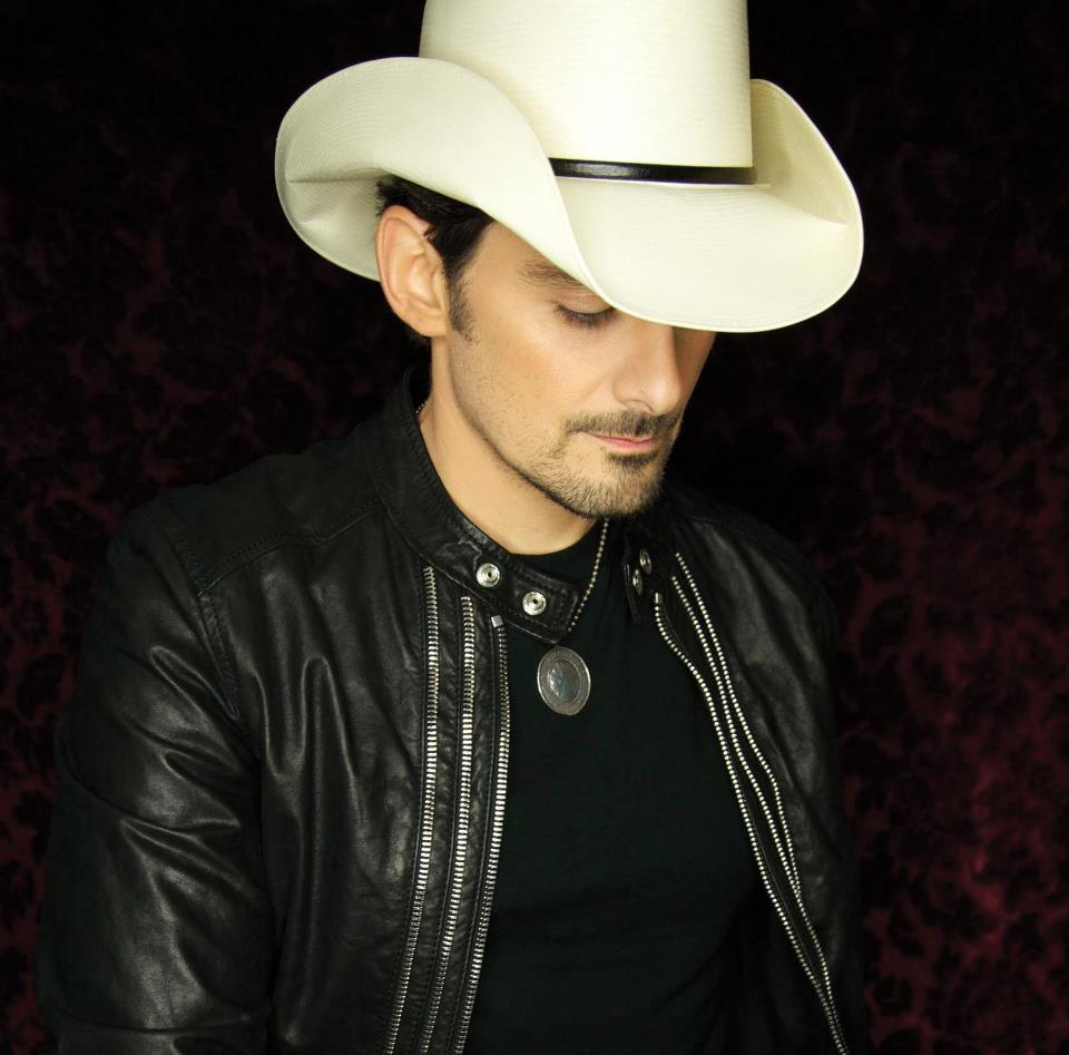 Brad Paisley Reveals Album Cover Art for  Moonshine in the Trunk  32f4a236ded