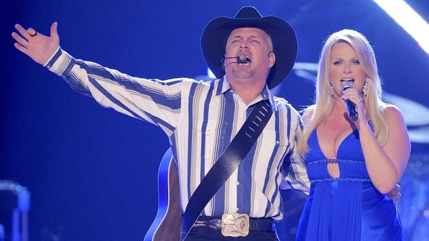 2016 Will Likey See Garth Brooks Trisha Yearwood 39 S Duet