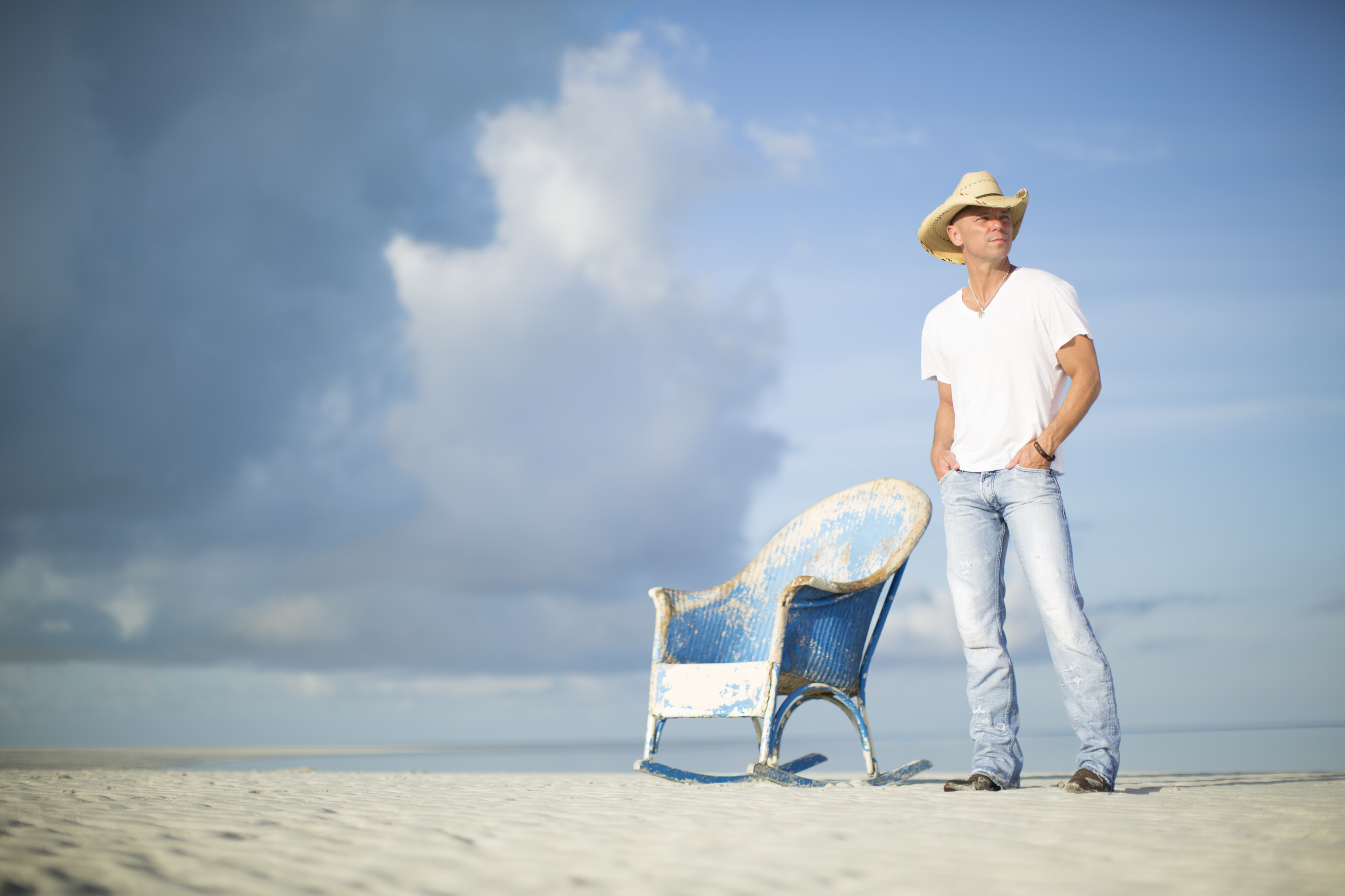 Get ready for kenny chesney television for Fish radio nashville