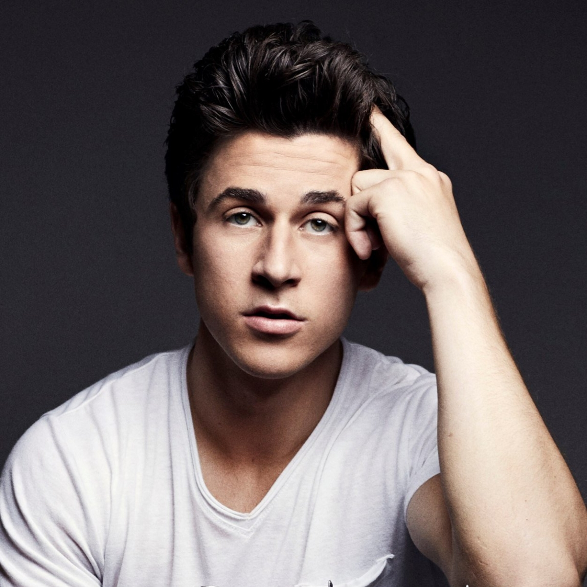 Television writer and actor David Henrie discussed his Christian faith and how he maintains strong values in an interview published Monday.