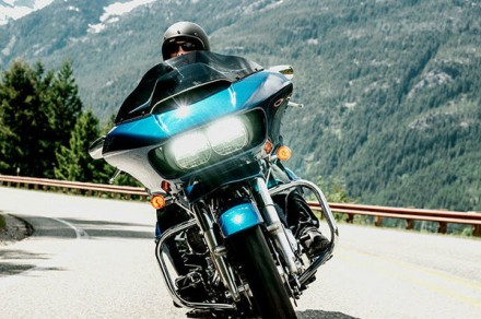 The 2015 Harley Davidson Road Glide has received a pretty long list of upgrades which aimed both the style and technical departments of the