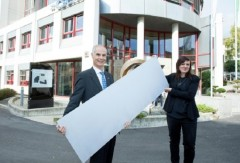 Check out this great article about Swiss non-profit tech company -CSEM that has developed a new type of solar panel that can be seamlessly