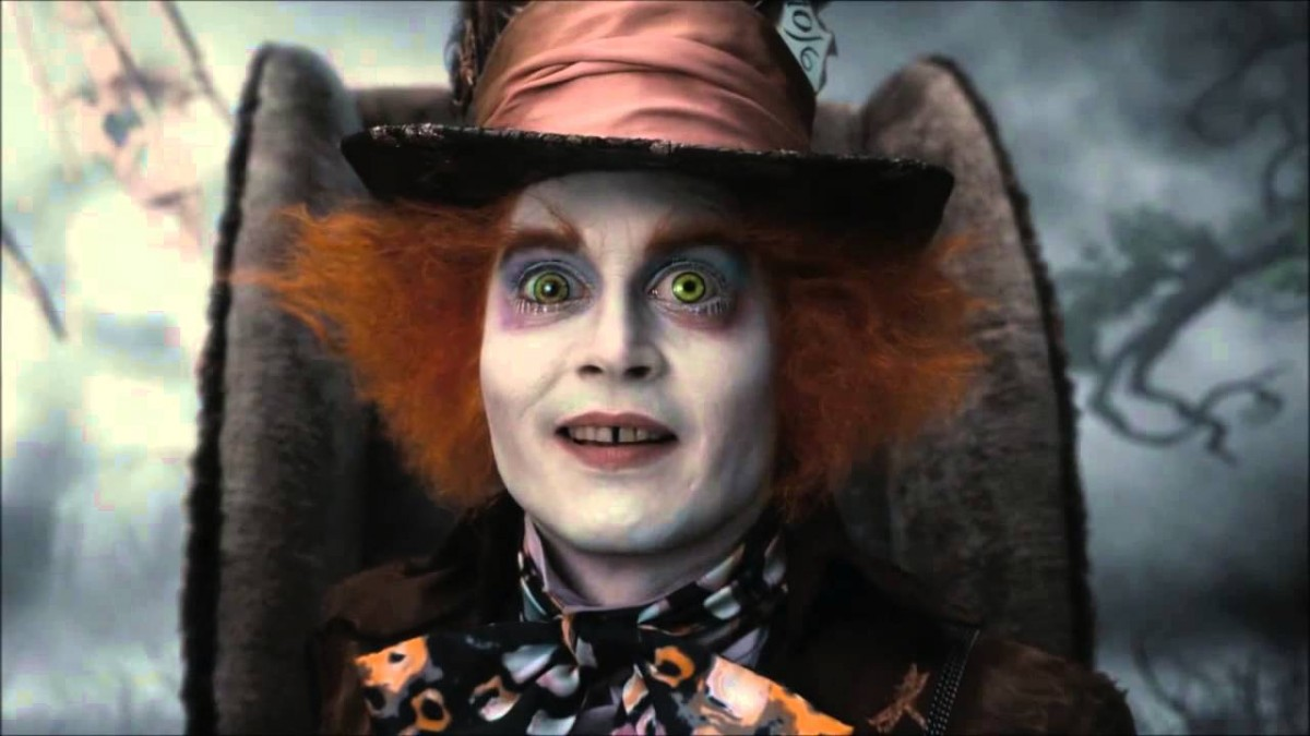 This is adorable! Johnny Depp disguises himself as the Mad Hatter at Disneyland!