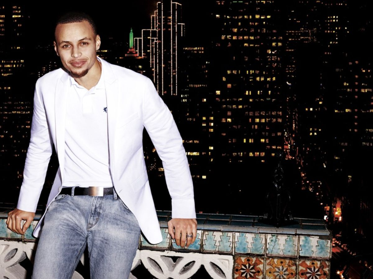Dress like an MVP: Stephen Curry is a new NBA`s best dressed player